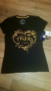 Women's University of Missouri Tigers vneck. Size small. (Runs a tiny bit big.) Very soft! New with tags!