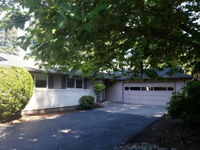 BEAUTIFUL Single Family Home on PRIVATE 0.25 acre Lot