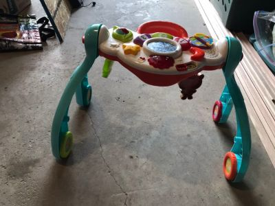 INC Vtech grow with baby mobile/walker