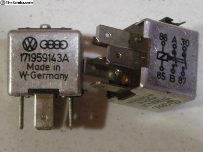 171-959-143-A Electric Fan Motor Relay