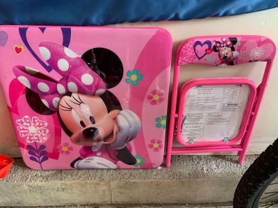 Minnie Mouse Toddler Table and Chair