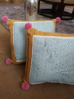 Set of 2 Handmade decorative pillows