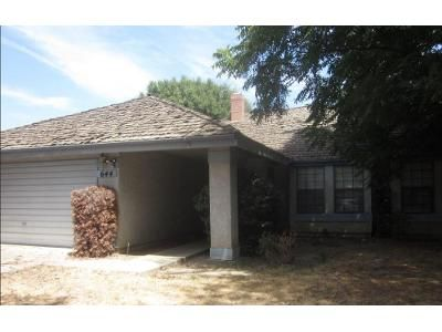 3 Bed 2 Bath Foreclosure Property in Visalia, CA 93277 - W Vassar Ave