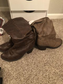 Cowgirl boots size 6