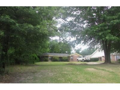 3 Bed 2 Bath Foreclosure Property in Marshall, TX 75672 - Victory Dr