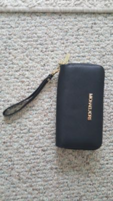 wristlet wallet Michael kors