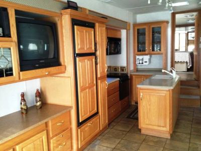 2003 Doubletree Mobile Suites 5th Wheel RV