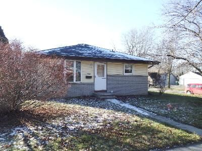 4 Bed 1.5 Bath Foreclosure Property in Cudahy, WI 53110 - E Henry Ave