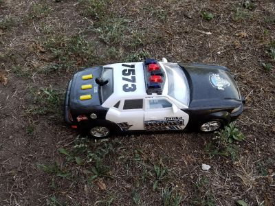 Larger police lights and sounds car