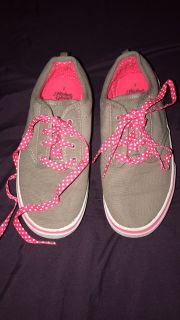 Size 2 gray tennis shoes