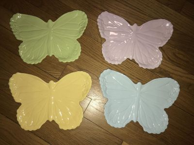 Ceramic butterfly plates
