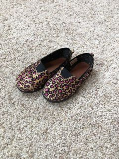 Joe Boxer Leopard Print Shoes - size 9