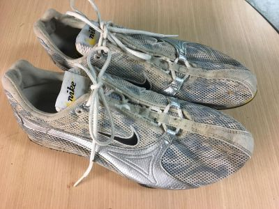 Women s size 9 xc spike running shoes Jana Nike in nice condition