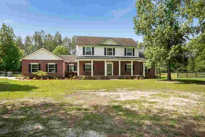 7822 Winder Rd MACCLENNY Four BR, come enjoy country living!