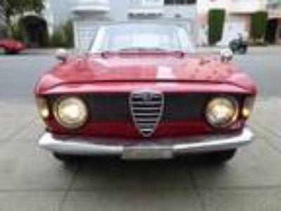 1966 Alfa Romeo Giulia Sprint GT 105 Series Stepnose