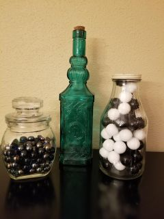 Set of 3 vintage glass jars with glass marvels included