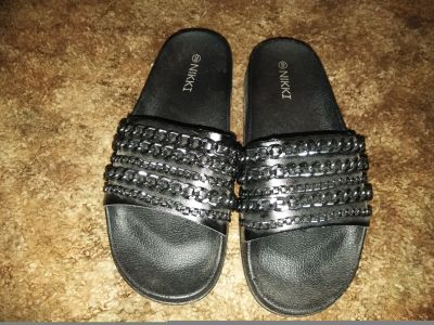 Black Chain Slides Sz 9