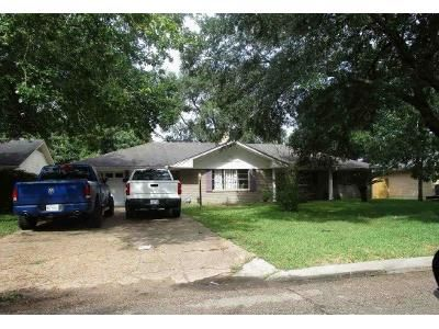 Preforeclosure Property in Beaumont, TX 77706 - Howell St