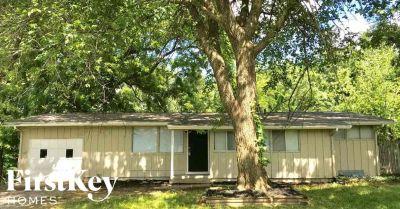 $1148 3 apartment in Gladstone