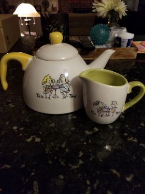 Tea pot and creamer