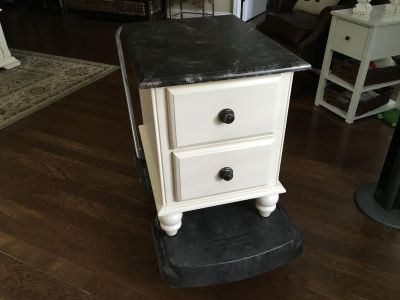 End Table/Accent Table