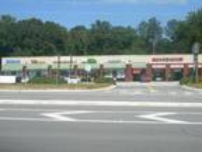 Retail Commercial Space - Prime Location - Free Rent Special