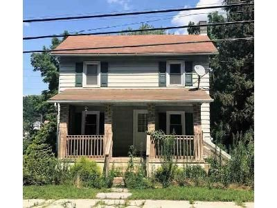 4 Bed 1.5 Bath Foreclosure Property in Kinzers, PA 17535 - Mine Rd