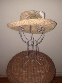 Standing Wire Hat/Wig Stand