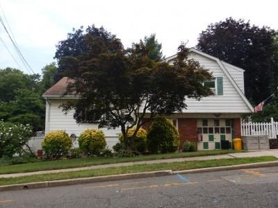 3 Bed 2 Bath Preforeclosure Property in Teaneck, NJ 07666 - Hamilton Rd