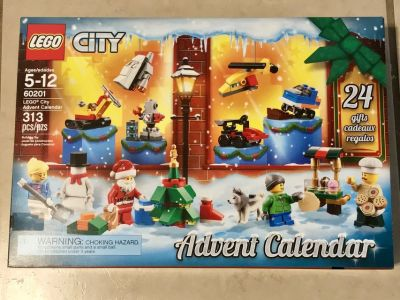 Lego City Holiday Advent Calendar 2018 Brand New