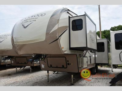 2019 Forest River Rv Rockwood Signature Ultra Lite 8290BS