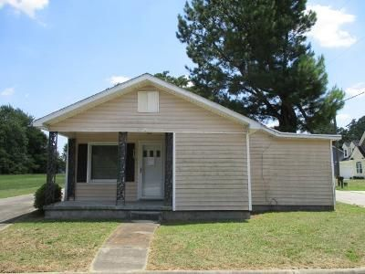 2 Bed 2 Bath Foreclosure Property in Clinton, NC 28328 - Lane St