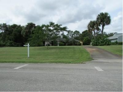3 Bed 2 Bath Foreclosure Property in Palm City, FL 34990 - SW Willow Ln