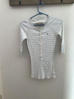 Girls Abercrombie thermal, size M