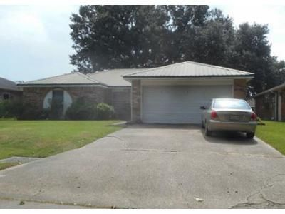 3 Bed 2 Bath Foreclosure Property in Houma, LA 70360 - Hanson Dr