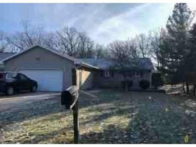 3 Bed 2.5 Bath Foreclosure Property in Oglesby, IL 61348 - Park Rd