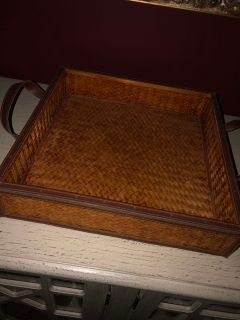 Bed in breakfast tray or fruit tray for kitchen