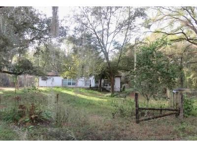 3 Bed 2 Bath Foreclosure Property in Zephyrhills, FL 33540 - Sutorus Rd