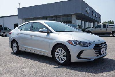 2017 Hyundai Elantra Limited (Symphony Silver)