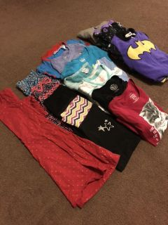 Lot of clothes 7/8 girl clothes