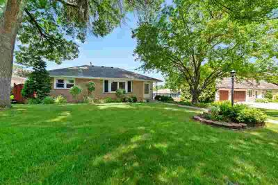 5012 William Avenue EDINA, Nicely updated Four BR Three BA walkout
