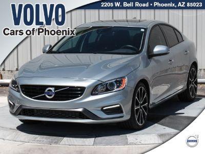 2018 Volvo S60 T5 Dynamic (Bright Silver Metallic)