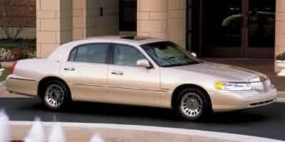 2002 Lincoln Town Car Signature (Gray)