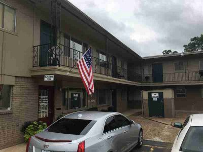 2631 N Robison Rd Texarkana, This 67 unit property is