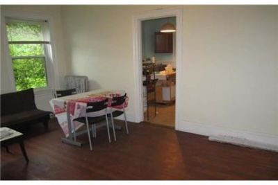 A Perfect 3 bedroom apartment on Winthrop . Parking Available!