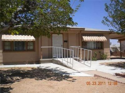 $950, 3br, 3 bedroom, 1 bath home very close to Ft.