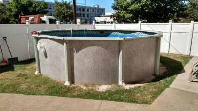 ABOVE GROUND POOLS / POOL PUMPS / POOL FILTERS / LADDERS / REPLACEMENT POOL WALLS / POOL PARTS