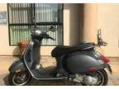 2012 Vespa GTS-300-Super Cruiser in Encino, CA