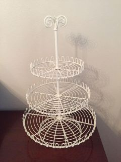 Cupcake holder/looks great with ornaments at Christmas too-18 tall