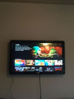 Philips 42 in flat screen tv with stand. No remote